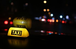 ccommons-MarwanTahtah-Streets_of_Beirut_during_the_night_-_Taxi